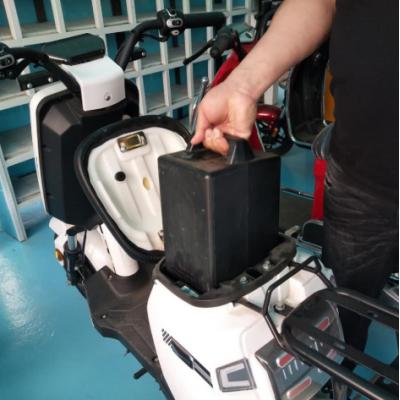 哈喽换电电瓶车锂电池换电电池租赁智能联网电瓶车锂电池
